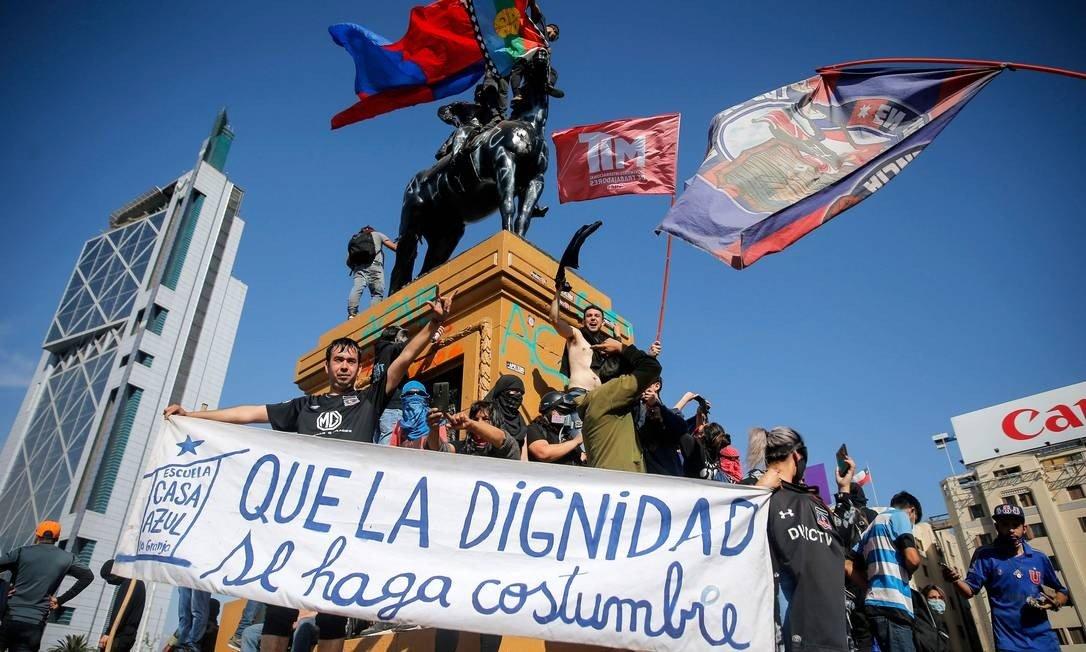 Chilenos marcham para enterrar a Constituição de Pinochet – Jacobin Brasil